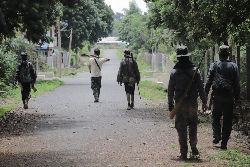 ကရင်နီ အမျိုးသားကာကွယ်ရေးတပ် KNDF နှင့် အကြမ်းဖက် စစ်ကောင်စီတို့  ယာယီအပစ်ရပ် | Tachileik News Agency